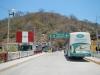 Vanaf de brug op de grens naar Peru