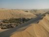 Hier de oase waar mijn hostel is, midden tussen het zand