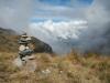 Een steenmannetje met uitzicht op het dal