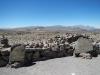 Uitzicht op de mistivulkaan en vulkaan Chachani
