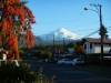 De vulkaan vanuit het dorp