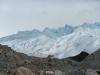 We lopen langs de gletsjer omhoog