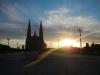 De grote kathedraal ligt er statig bij