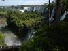 Nog even een blik langs de lange muur van watervallen