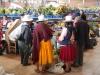 Lokale oude vrouwtjes op de markt